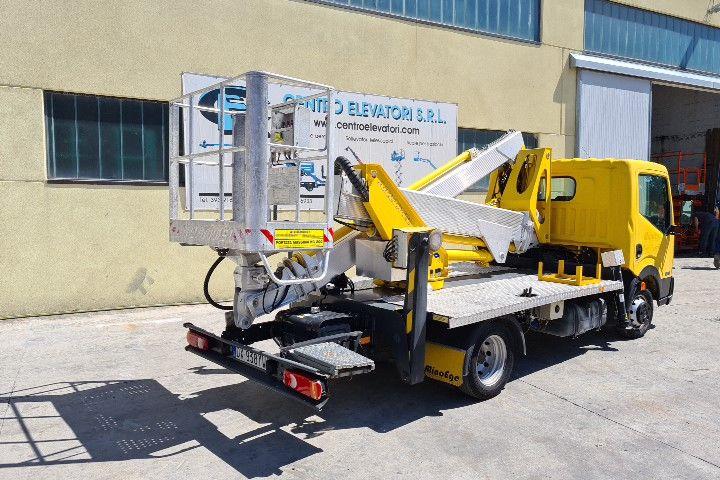 Plataforma sobre camion 20MT Multitel MX 200