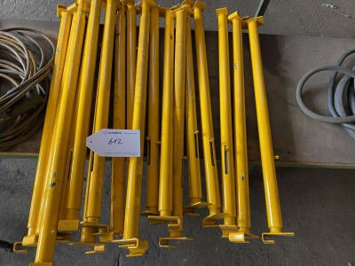 18 adjustable uprights