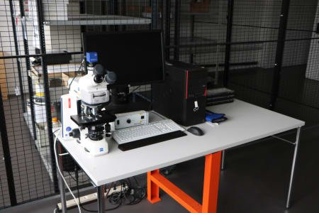 ZEISS AXIO SCOPE. A 1 Microscope