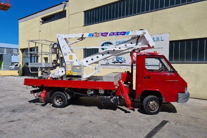 Plataforma sobre camion 19Mt Socage 195C.090