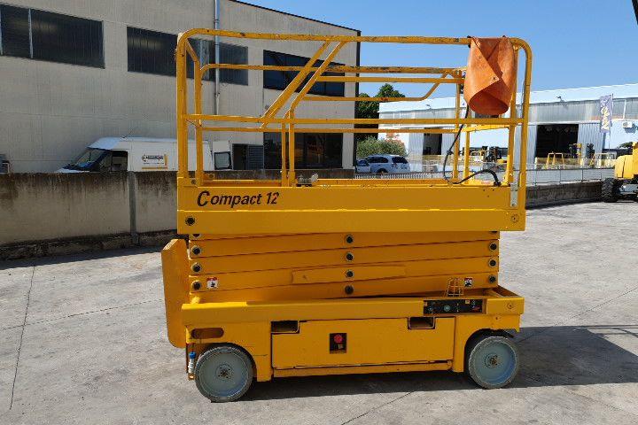 Plataforma vertical 12Mt haulotte Compact 12