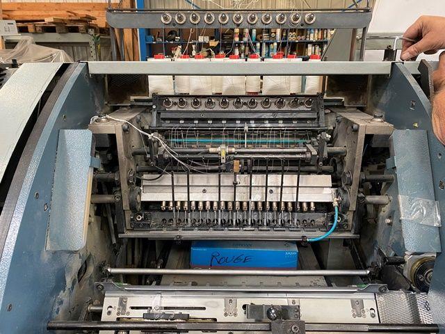 Cosedora/book sewing machine