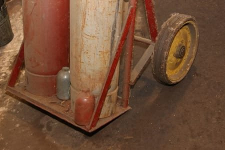 Gas cylinder trolley with welding armature