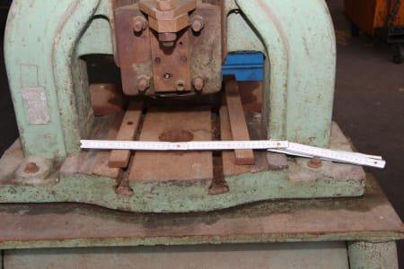 Manual spindle press