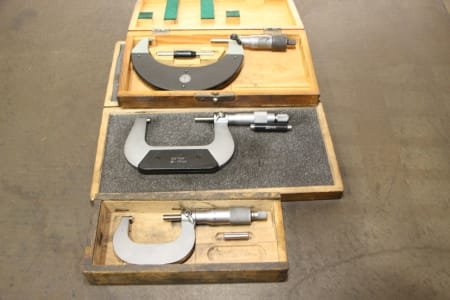 Bow micrometer