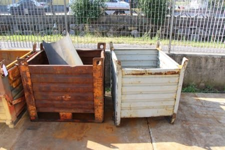 Lot Of Workshop Baskets (X7) And Racks (X2)