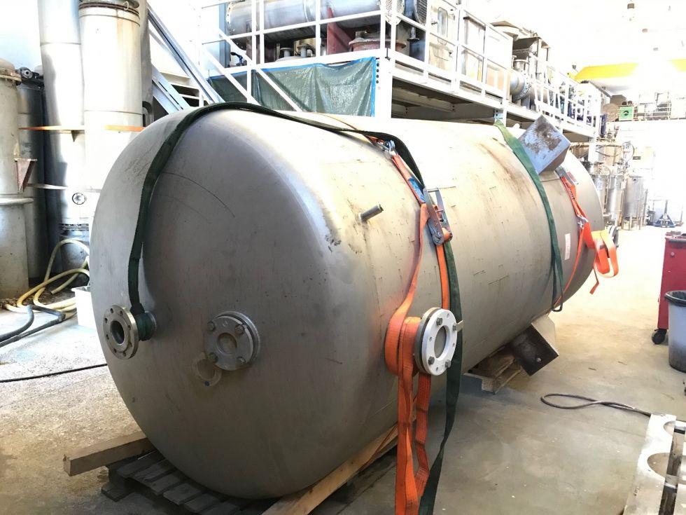 Deposito acero inoxidable 6.000 litros con agitacion y serpentin de segunda mano