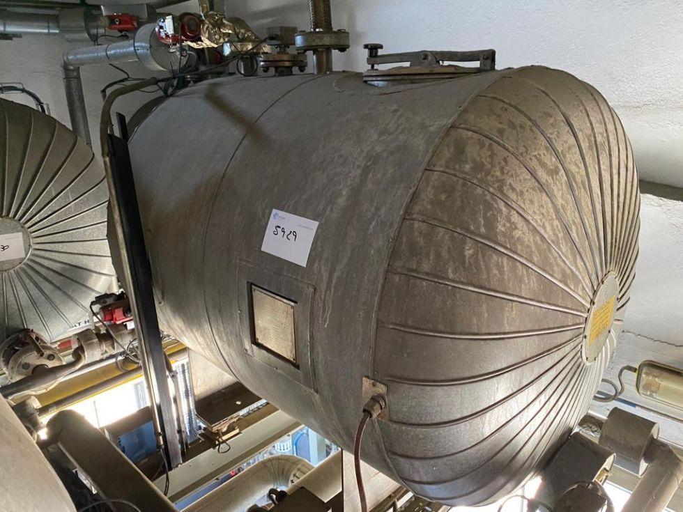Deposito acero inoxidable 1000 litros calorifugado de segunda mano