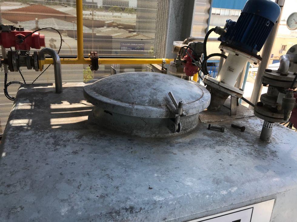 Deposito acero inoxidable 1000 litros con agitacion de segunda mano