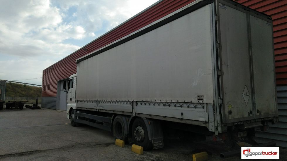 Camion rigido