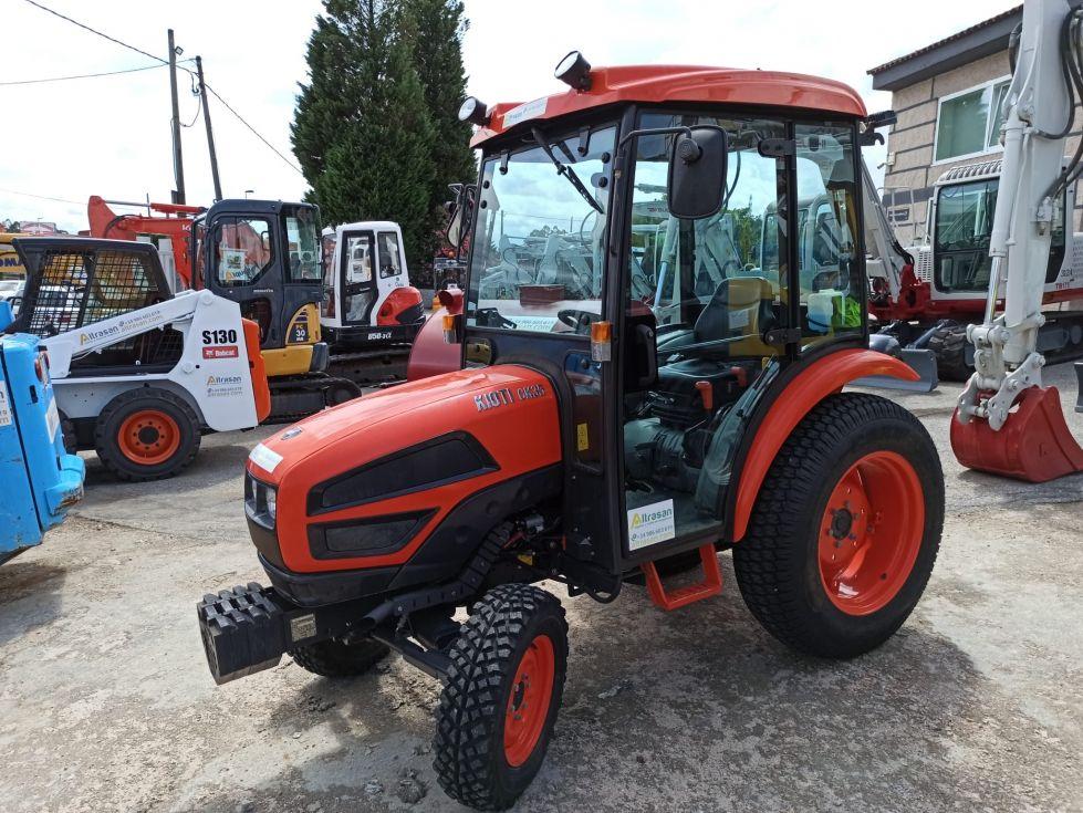 Tractor 36 cv con cabina