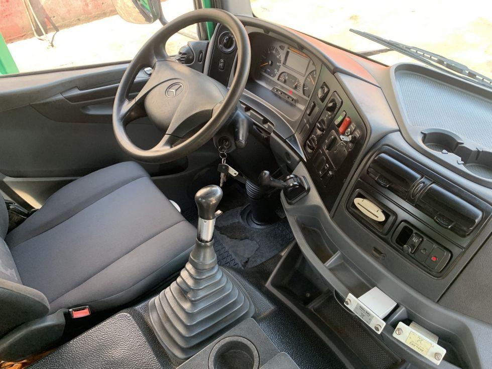 Camión bomba de hormigón Mercedes Axor 2633 Schwing 28 M