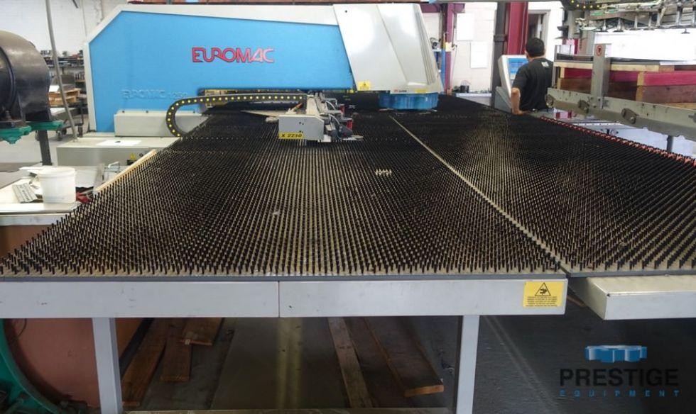 Punzón CNC