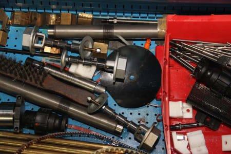 Lot Workshop Accessories