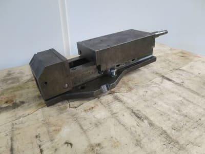 UNBEKANNT 125/225 machine vice