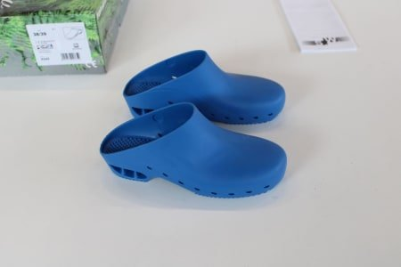 SAFE WAY K045 Lot of sanitary-shoes
