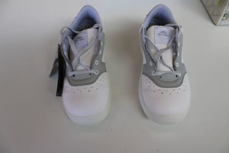 SAFE WAY 00CS01/L20701 Lot of sanitary-shoes