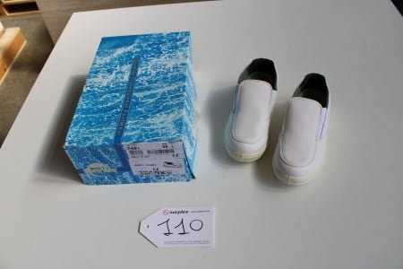 SAFE WAY PA01 Lot of sanitary-shoes