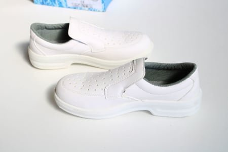 SAFE WAY P307 Lot of sanitary-shoes