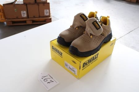 DEWALT DWF50067/143 Lot of safety-shoes
