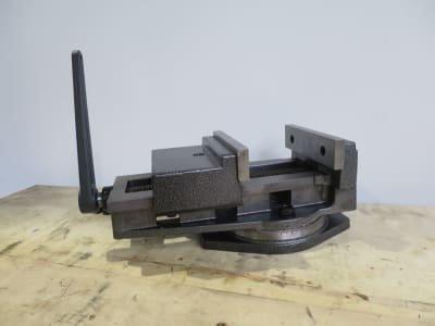 HBM 13 - 160 Machine vise with turntable