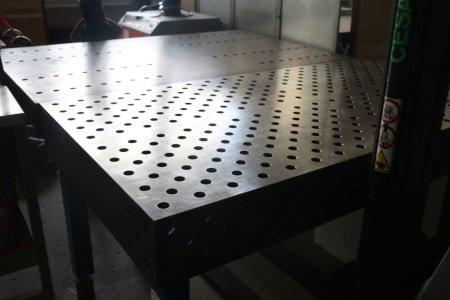 Hole Welding Table