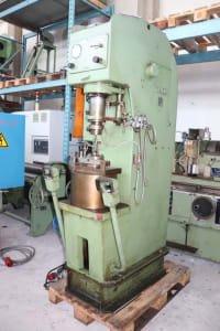VOCO 10 x 180 S Single-Column Press