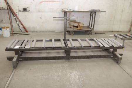 Roller Conveyor with wheels for rails