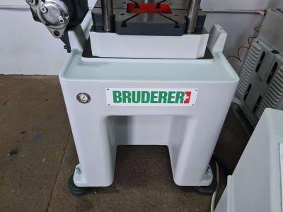 Punzonadora de alta velocidad BRUDERER BSTA 30