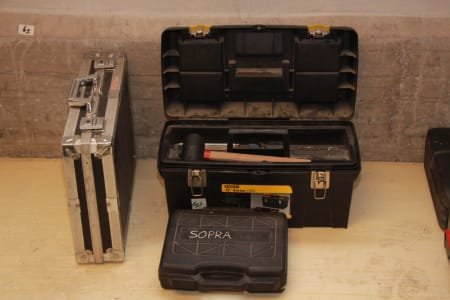 Lot of toolboxes (3)