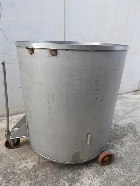 Depósito fabricado en acero
