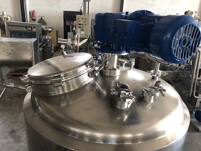 Depósito 500 litros en acero inoxidable con agitador e isotermo
