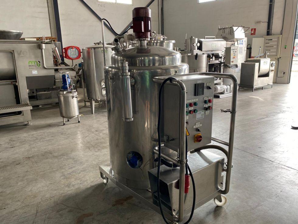 Depósito mezclador con doble camisa y bomba de lóbulos