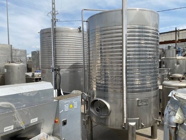 Depósito 3.500 litros acero inoxidable con agitador y doble camisa