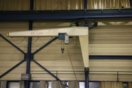 DEMAG Wall-mounted slewing crane