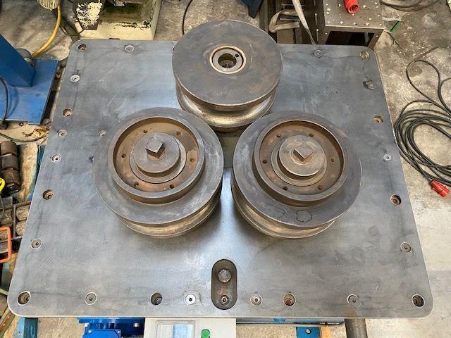 Curvadora de perfiles con rulinas de 355 mm