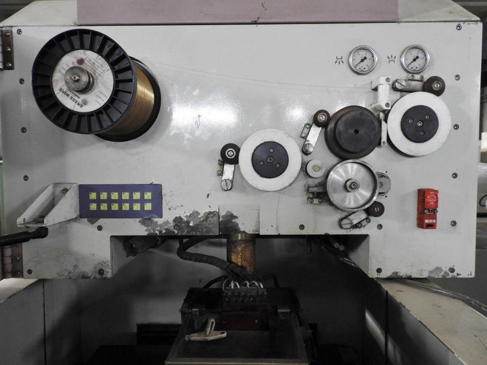 Electroerosión CNC por hilo