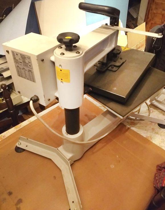 Plancha Termofijadora Textil