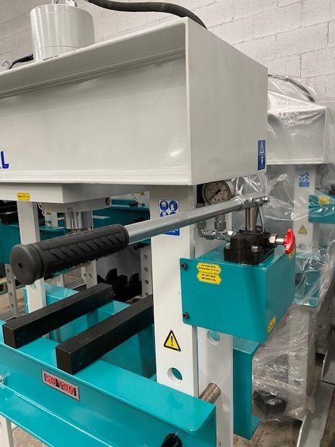 Prensa manual nueva Ajial de 50 toneladas