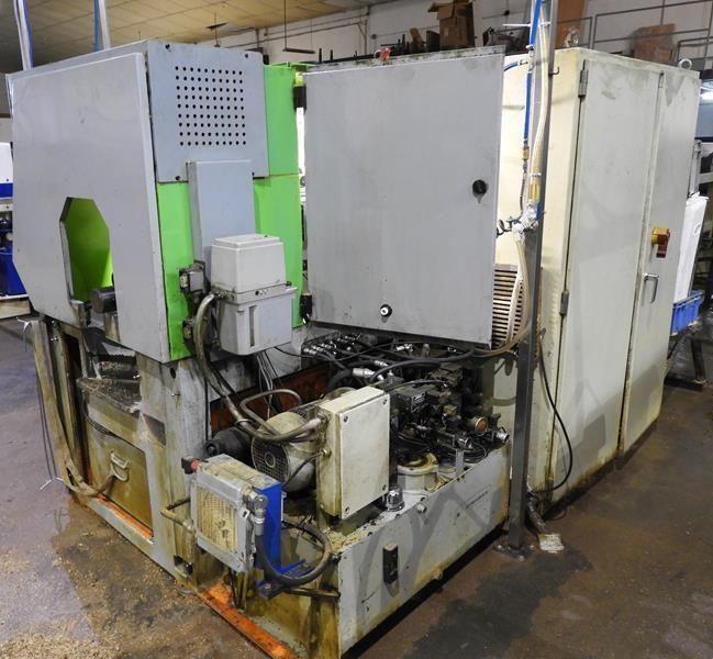 Torno revolver automático CNC
