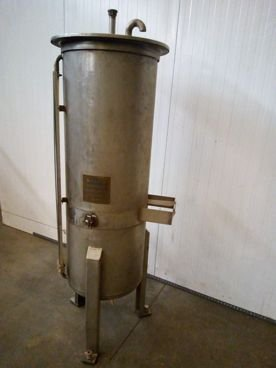Depósito en Inox 15 / 684 250 Litros de Capacidad