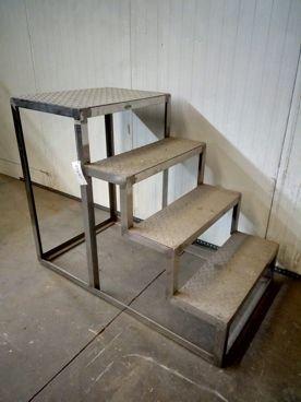 Escalera Con Plataforma en Inox