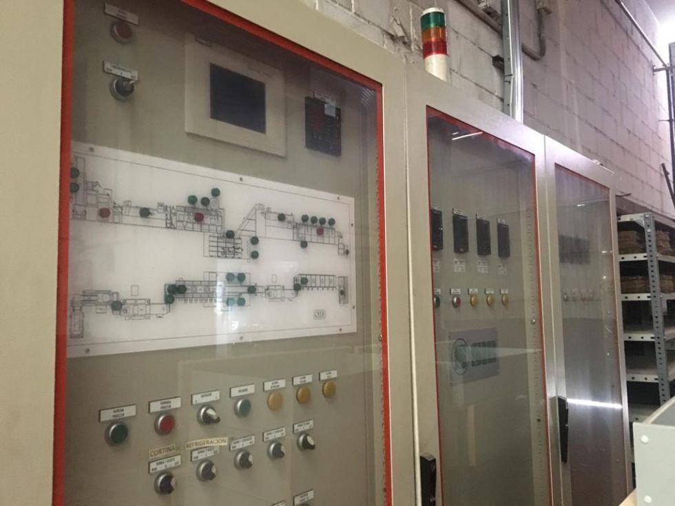 Línea para tratamiento térmico tornillos completa/ Complete line for heat treatment bolts Pr19291