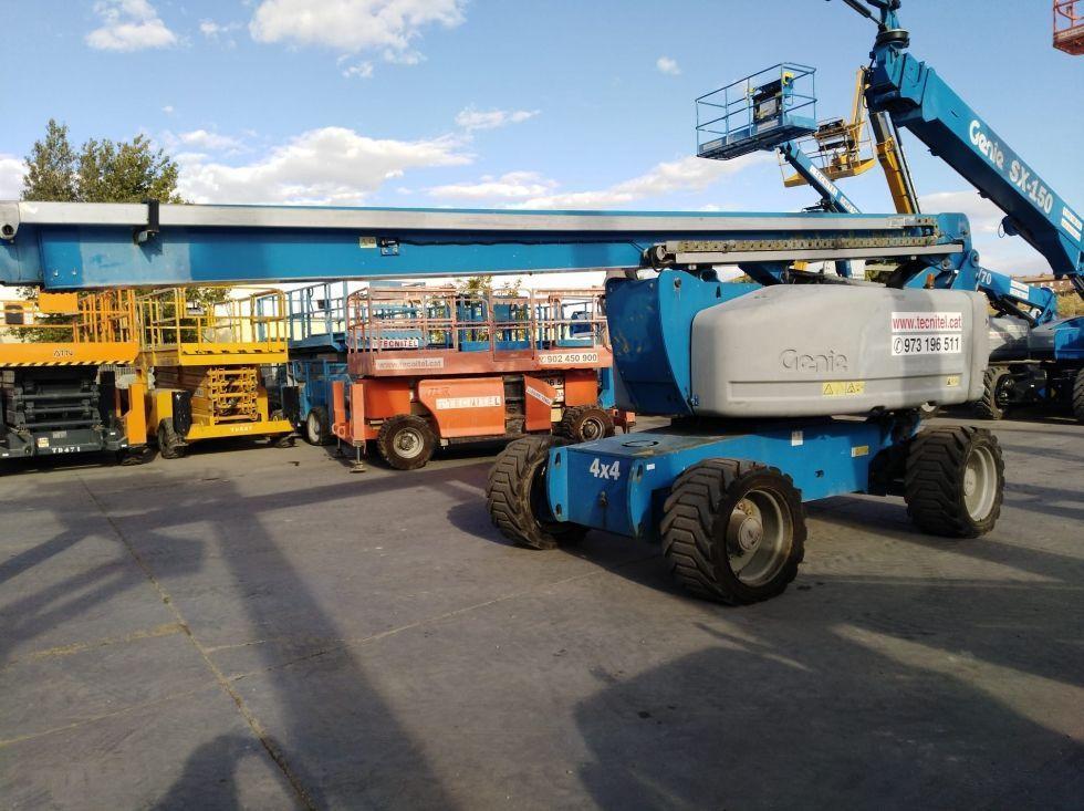 BRAZO ARTICULADO 26 metros Diesel