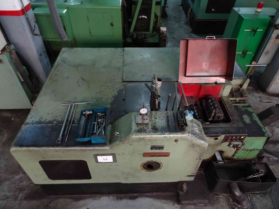 Maquina estampadora 5 estaciones - Fabricación tuercas