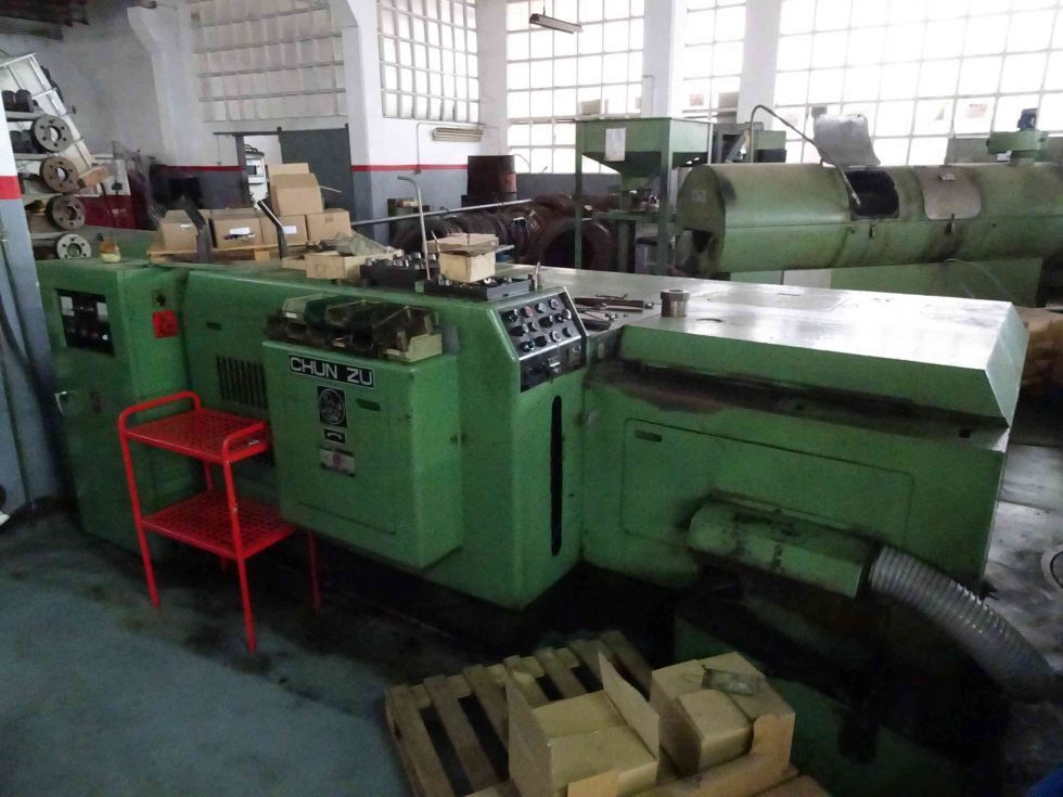 Máquina estampadora 4 estaciones - Fabricación tuercas