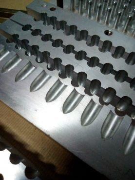 Molde 89 / 509 de Pintalabios en Inox Con 84 Alveolos