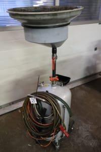 Oil drain device