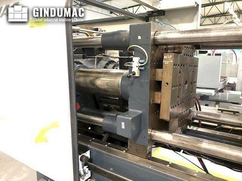 Máquina de moldeo por inyección con sistema DEMAG Ergotech 110-200