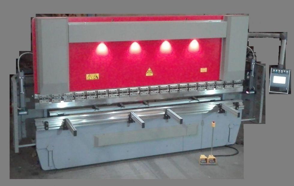 Plegadora hydraulica CNC